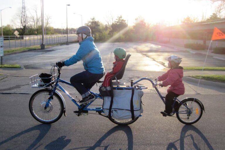 Fotelik rowerowy na bagażnik, jaki wybrać i gdzie kupić?